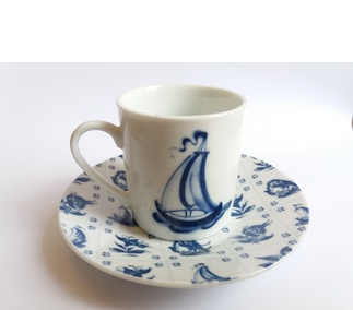 <p>Adaptation<br /> Porcelain<br /> Late 17th century</p>
