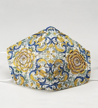 <p>Adaptation<br /><br />Reusable / washable textile social mask, inspired by a detail of the camellias pattern azulejo panel.</p>