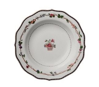 <p>Replica<br />Porcelain<br />c. 1795<br /><em>Qing</em> dynasty, <em>Qianlong</em> period</p>